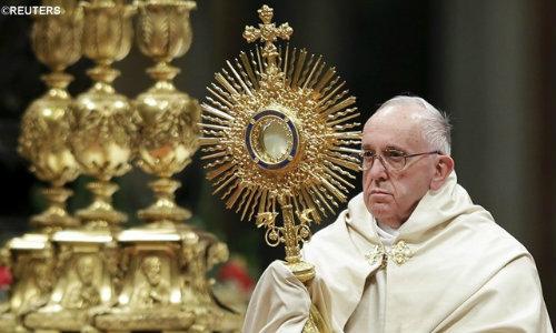Papa Francisco Quebra tradição e Celebra Corpus Christi em Ostia