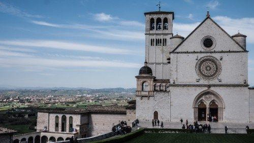 Jovens iniciaram a Marcha Franciscana na Itália