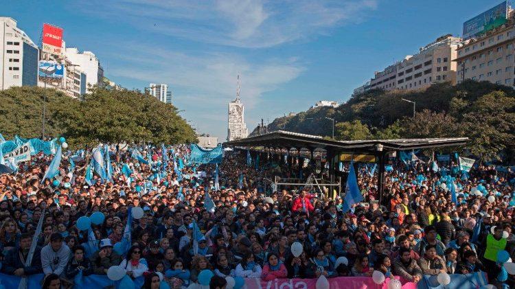 Argentina: rejeitado projeto de lei que legaliza o aborto