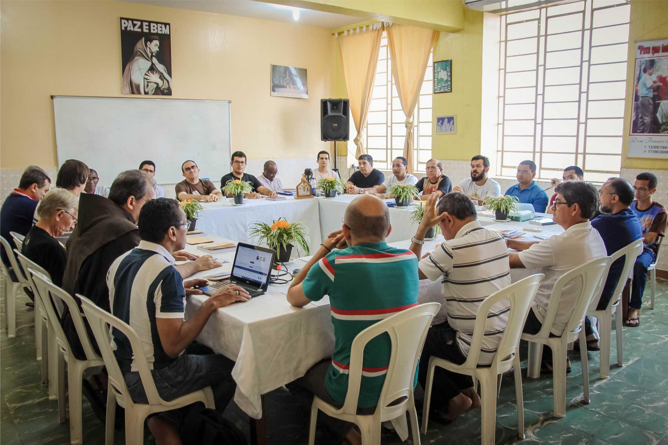 A Província reúne seus párocos, vigários paroquiais, responsáveis pelos projetos sociais, ecônomos e guardiões para Encontro Sinodal