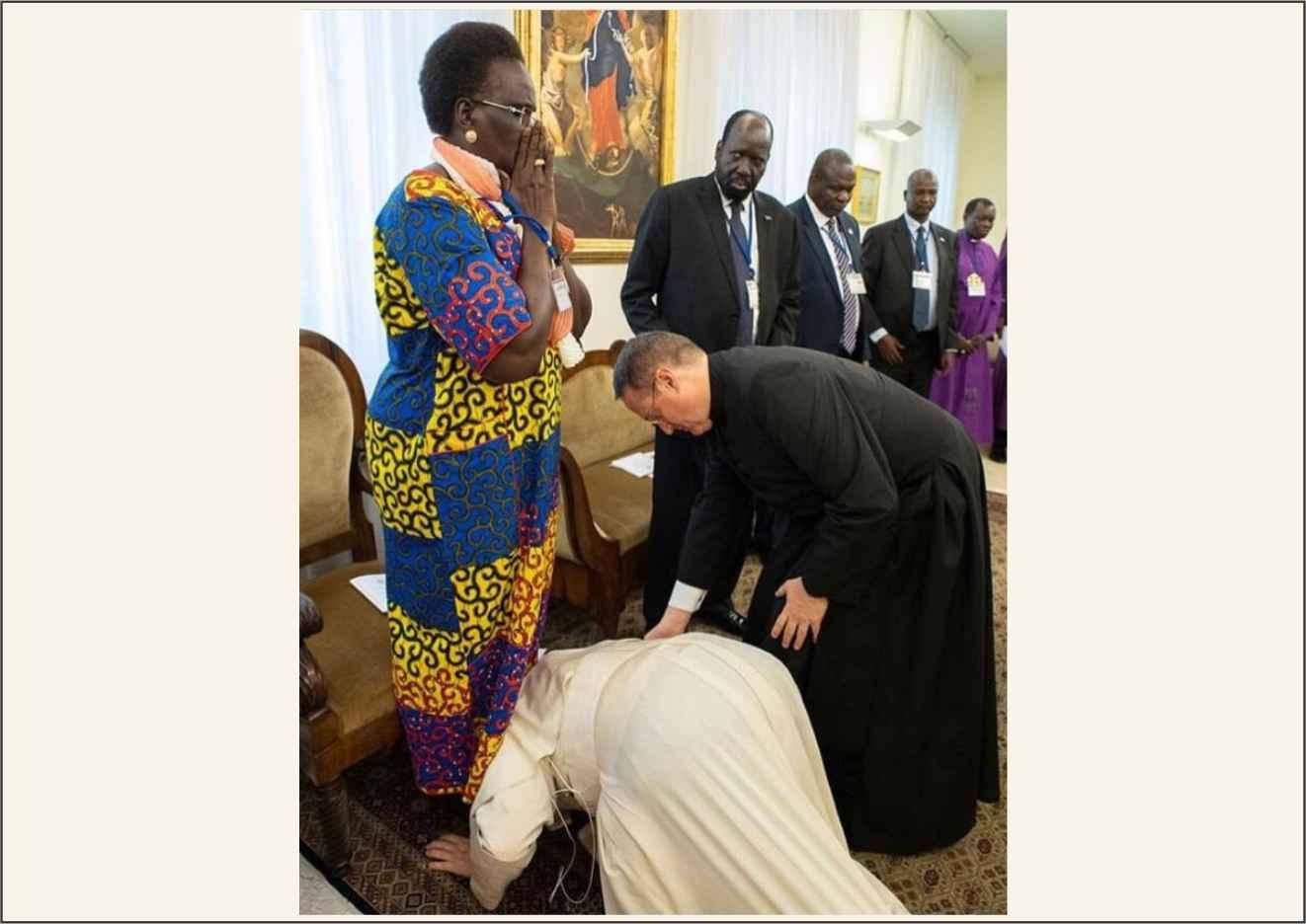 O Papa beija os pés dos líderes do Sudão do Sul pela paz